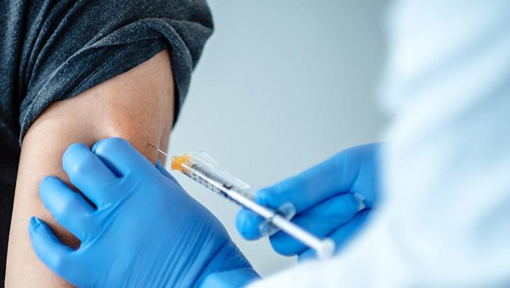 """""""Vacunas, la única opción para neutralizar  el coronavirus"""", médico Gregorio Sánchez Vallejo"""