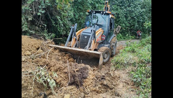 Para atender emergencias en vías rurales, municipios del sur gestionan maquinaria amarilla