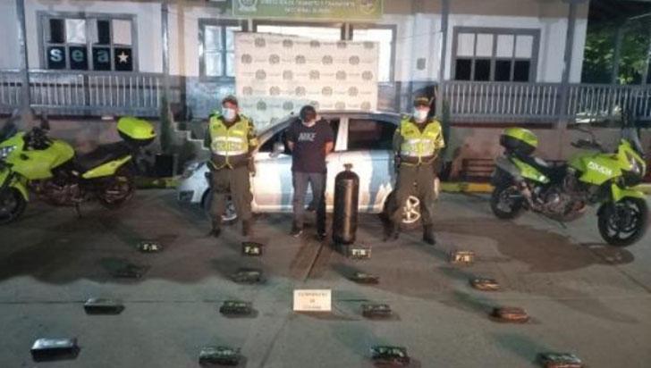 Hombre fue descubierto transportando 16 kilos de  cocaína en un cilindro de gas