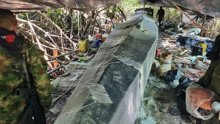 Hallan en el Cauca semisumergible con capacidad para 2 toneladas de cocaína