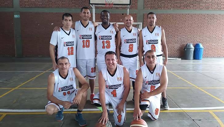 Avanza el Maxi Baloncesto en el condominio San José