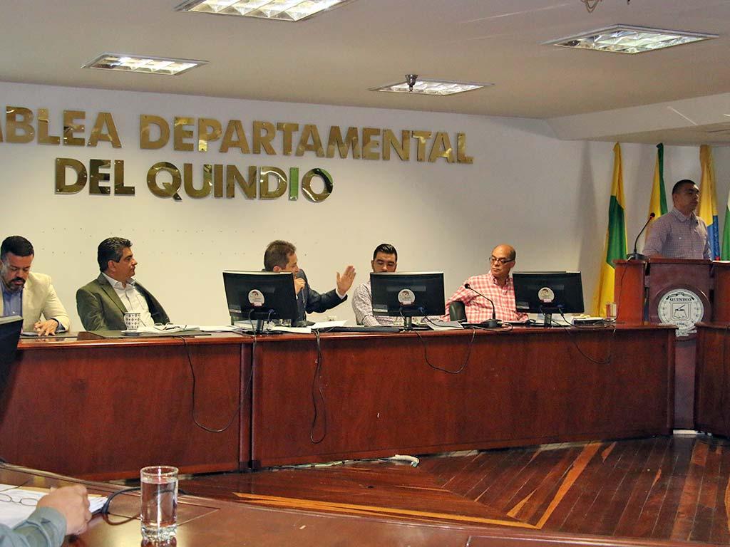 """""""Sin compromisos quedó  el cabildo abierto de EPQ"""""""