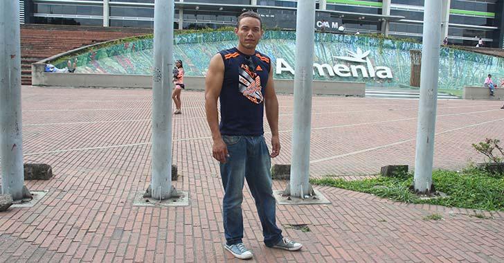 Kervin, el venezolano que vino a probar suerte en Armenia