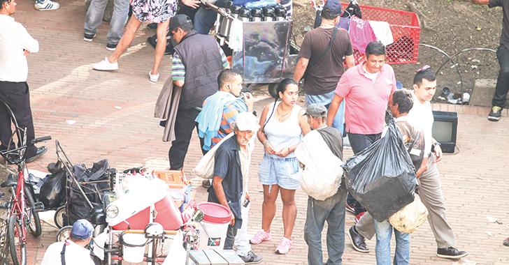 """Denuncian """"venta de estupefacientes"""" en plazoleta de la Quindianidad"""