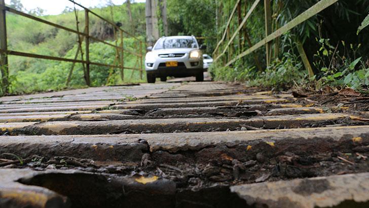 Ciudadanos denunciaron que puente Don Nicolás podría causar tragedia por mal estado