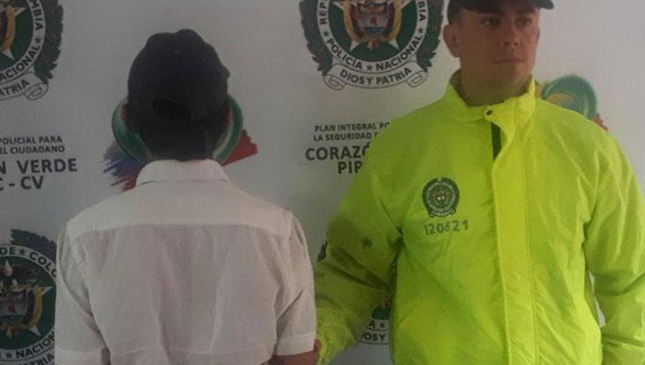 Arrestan a dos hombres por porte ilegal de armas de fuego