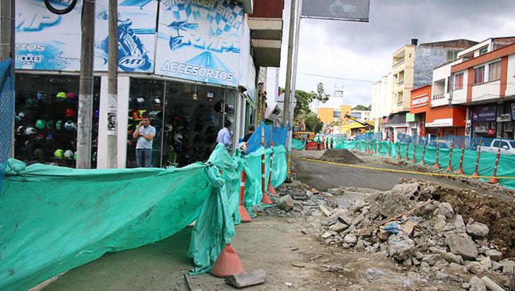 Comerciantes de la carrera 19 denuncian hurtos e inseguridad por las obras