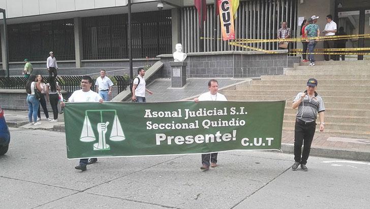 Maestros y Asonal Judicial marcharon este jueves por los acuerdos incumplidos
