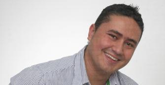 Jhonatan Obando Ramírez hace campaña solo con Dios
