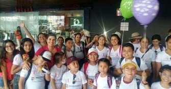 12 niños de la fundación Lazo Rosa cumplieron su sueño de conocer el mar