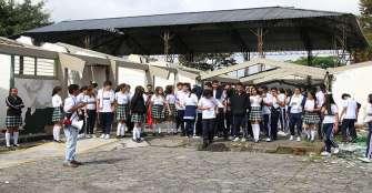 siguen-las-protestas-por-estado-de-colegios-en-armenia