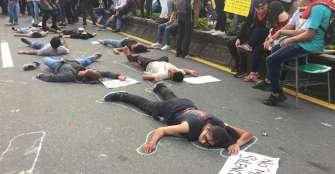 Estudiantes se toman de nuevo la avenida Bolívar
