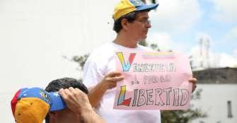 Más de 1,6 millones de venezolanos viven en Colombia, según las autoridades