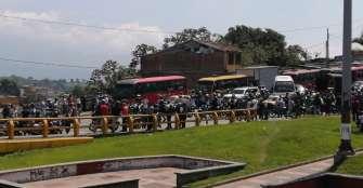 Motociclistas protestan en Armenia para rechazar restricción de parrillero