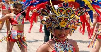 El Carnaval de Barranquilla abre la puerta a niños migrantes venezolanos