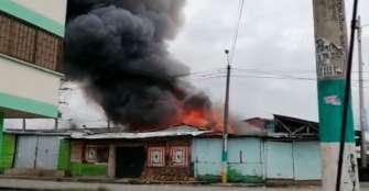 Incendio estructural en el barrio La Castilla de Armenia