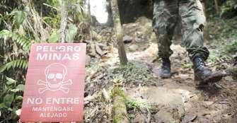 Gobierno colombiano exige a grupos armados dejar de usar minas antipersona