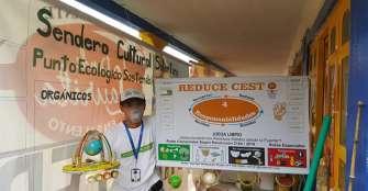 Ambientalista usa títeres para educar en el manejo de los residuos sólidos