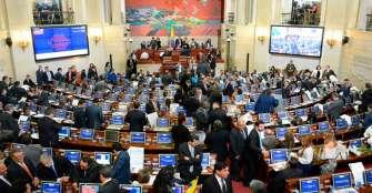 Senadores creen que política de Duque acerca a Colombia a conflicto exterior