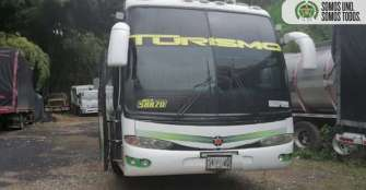 Bus interdepartamental transportaba 42 personas ilegalmente