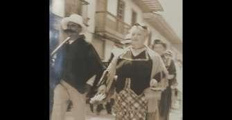 La familia Castañeda, un desfile festivo inolvidable
