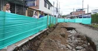 Demoras en arreglos de vías en La Tebaida: proliferación de zancudos, cucarachas y ratones