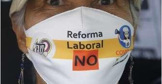 Sindicalistas rechazan decreto de 'reforma laboral' con caravanas