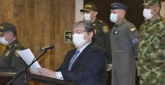 Oposición pide renuncia ministro de Defensa por violencia policial