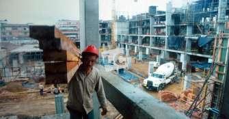 Tejido social y económico,  las deudas de la reconstrucción