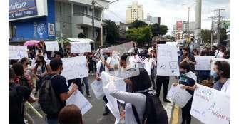Comienzan protestas a la sombra de las manifestaciones violentas