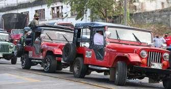 Travesía al túnel de La Línea en Jeep Willys