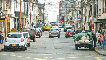 Con reactivación de zonas azules y cepos se buscará controlar el mal estacionamiento