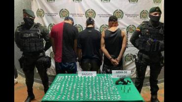 3 capturados por tráfico de armas de fuego y estupefacientes