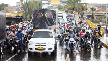 Si se mantiene la medida, protestas contra pico y placa continuarán