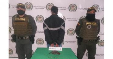 Hombre de 18 años capturado por porte ilegal de armas en Montenegro