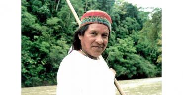 Exjefes de las Farc y Auc reconocen crímenes contra indígenas y piden perdón