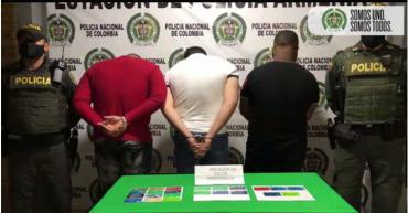 3 hombres capturados con 23 tarjetas débito y crédito para hurtar: Cambiazo