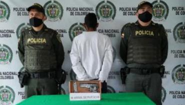 Hombre andaba armado en sector del Santander