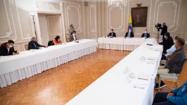 El Gobierno califica de positiva la reunión con delegados de Farc