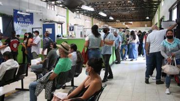 Más de 600 trámites 'embotellados' obligan a Setta a 'frenar' la atención en oficina