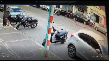 Motorizados al acecho de vehículos en el norte de Armenia: ciudadana víctima