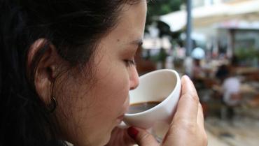 Cafeteros buscan cautivar a jóvenes con clases de barismo y cata
