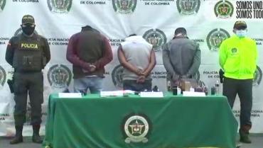 3 capturados después de ser denunciados como ladrones armados