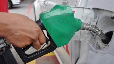 Precio de combustible aún está lejos de igualar el monto de antes de la pandemia