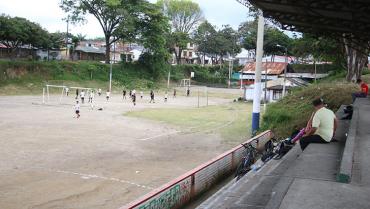 Voces encontradas por prohibición de eventos deportivos con presencia masiva de público