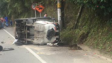 Sin lesionados, accidente de tránsito vía Armenia-Calarcá