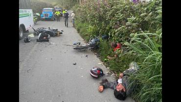 3 agricultores lesionados tras sufrir accidente en vía rural de Filandia