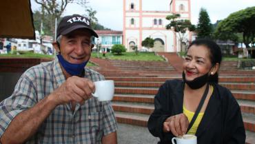 Terremoto no derribó la paz, la alegría y la amabilidad en Córdoba