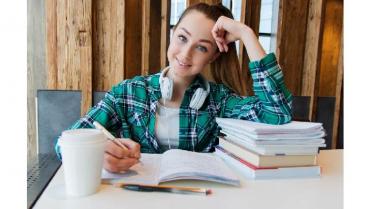 La Fundación Carolina ofrece 504 becas para estudiantes iberoamericanos