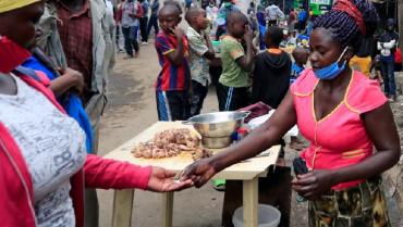 África buscará vacunar al 60 % en dos años o la covid-19 se volverá endémica